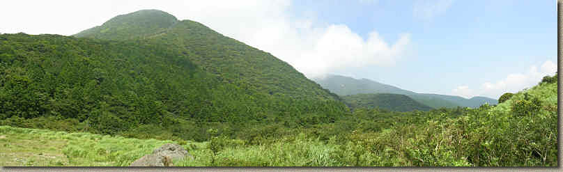 LakeAshi-23JUL04-Pan1.jpg (467178 bytes)