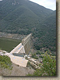 LakeHodges-11NOV03-34-Dam.JPG (73816 bytes)
