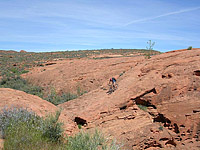 images/Trails/Utah-StGeorge/Roadtrip2005-Day9-ChurchRocks-22.jpg
